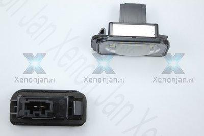 Complete vervanging originele kentekenverlichting voor led Mercedes C klasse W203 4 deurs