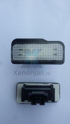 Complete vervanging originele kentekenverlichting voor led Mercedes C klasse W203 5 deurs station W211 W219